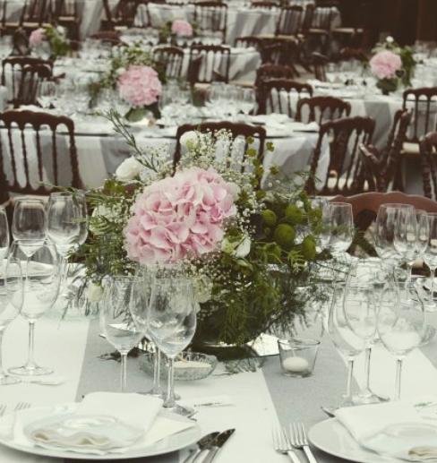 Decoración floral para las mesas de bodas