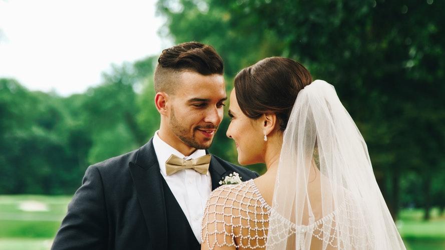 Peinados con velo para novias