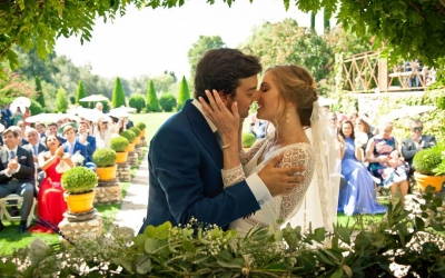 Cómo salir bien en las fotos de boda
