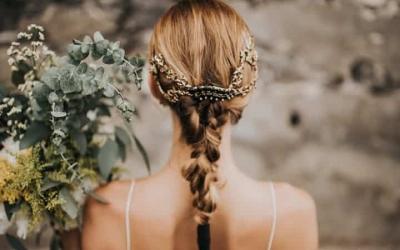 Coronas y tocados para invitadas de boda: tendencias 2019