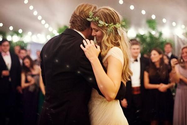 ¿Cómo elegir la perfecta banda sonora de tu boda?